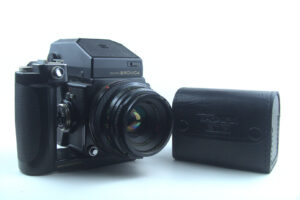 Zenza Bronica ETRC with Grip and 220 roll cartridge